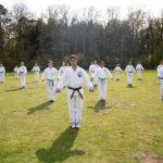 Julien sensei lesgeven trainingskamp - Karate Weesp